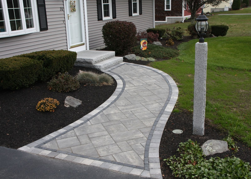 Walkway with Steel Mountain field Basalt Copthorne interior border and Steel Mountain Transition exterior border